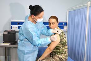 სამხედრო მოსამსახურეების ვაქცინაცია აქტიურად მიმდინარეობს - სამინისტრო