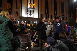 Организаторы ознакомили участников акции протеста с новыми требованиями