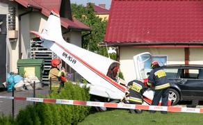 პოლონეთში მცირე ზომის ვერტმფრენი სახლს შეეჯახა - VIDEO